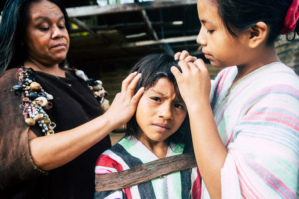 Племена Амазонии на снимках московского фотографа полуголые, сюрреализм, татуировках, чтобы, Ясуни, джунглях, когда, индейцев, военный, радио, вызывают, двухстороннему, которыми, прийти, портрету, племени, которое, осталось, конце, вакууме