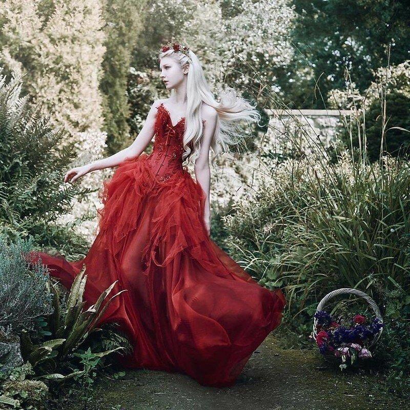 0 17ddee 7e4145f4 XL - Чувственная фотосессия девушек в красивых платьях
