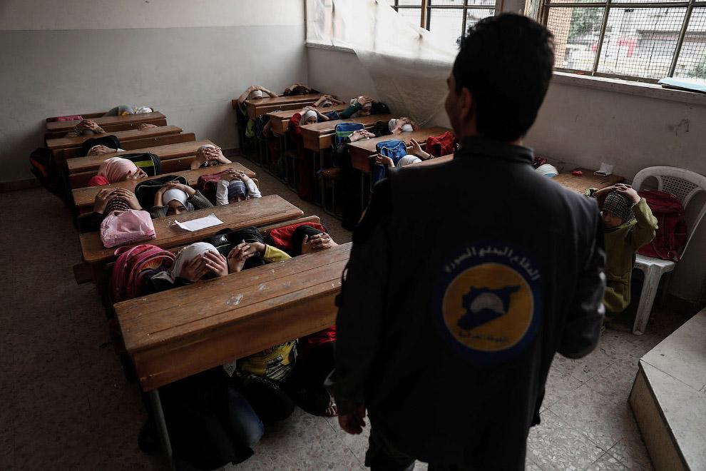 4. Ученики школы в Думе, Сирия, 18 сентября 2017. (Фото Amer Almohibany):