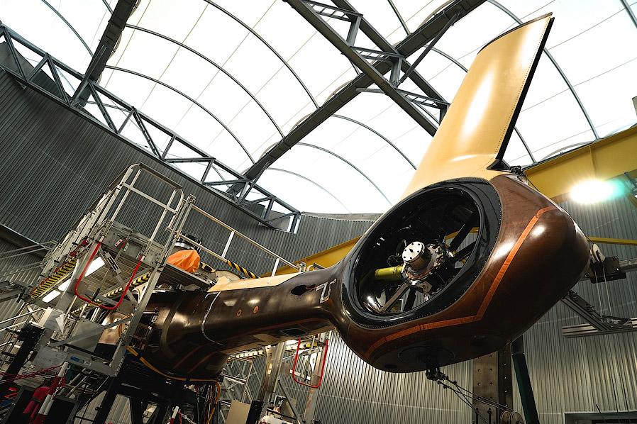 24. Кроме самого завода и испытательного центра, на заводе в Мариньяне располагается главный логисти