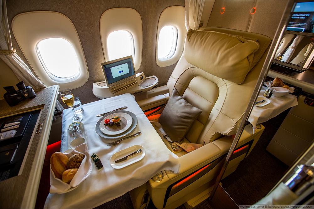 Сьюты были созданы в сотрудничестве с техниками Boeing, производителем сидений Rockwell Collins, пио