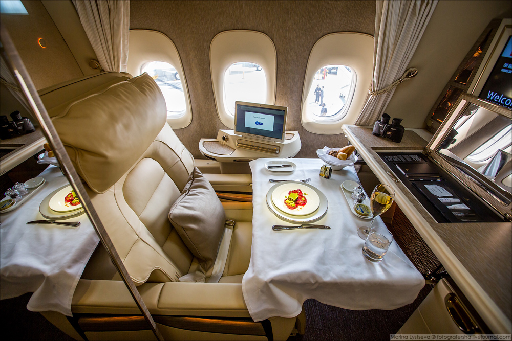Пассажиры смогут оставлять запросы кабинному экипажу и заказывать обеды, используя функцию видеовызо