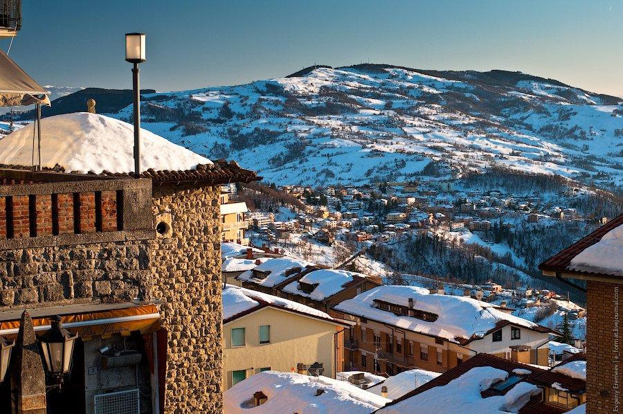 Сан-Марино находится в визовом  пространстве Италии.