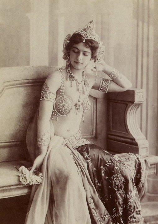 2. Мата Хари, 1910-е годы