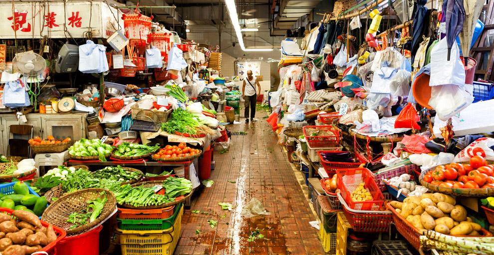 ОАЭ    Ныне Эмираты во многом потеряли былой колорит огромного арабского базар