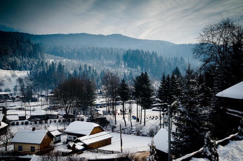 ВРумынии действует центральное газовое отопление. Однако из-за большого количества утечек еще в90-