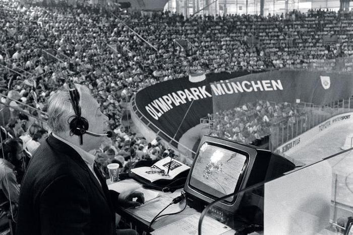 В конце 1980-х годов Озерова избрали председателем спортивного общества «Спартак», но в начале 1990-