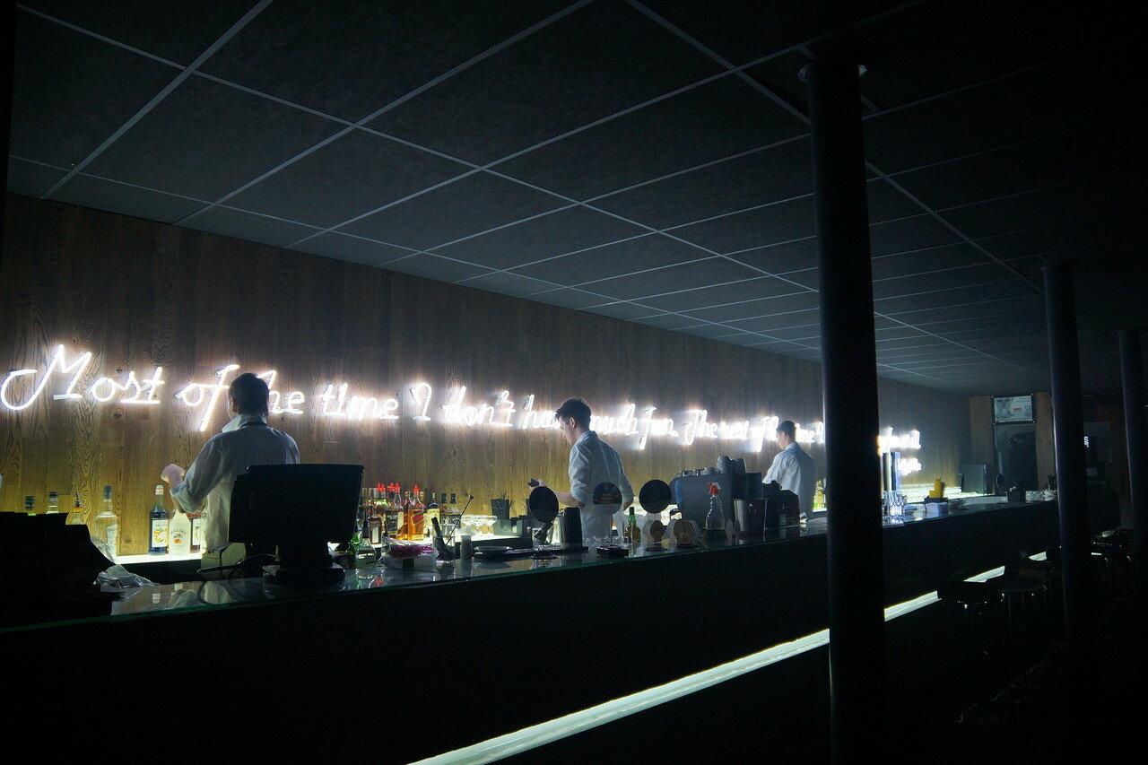 Светильники из стеклянной трубки с инертными газами