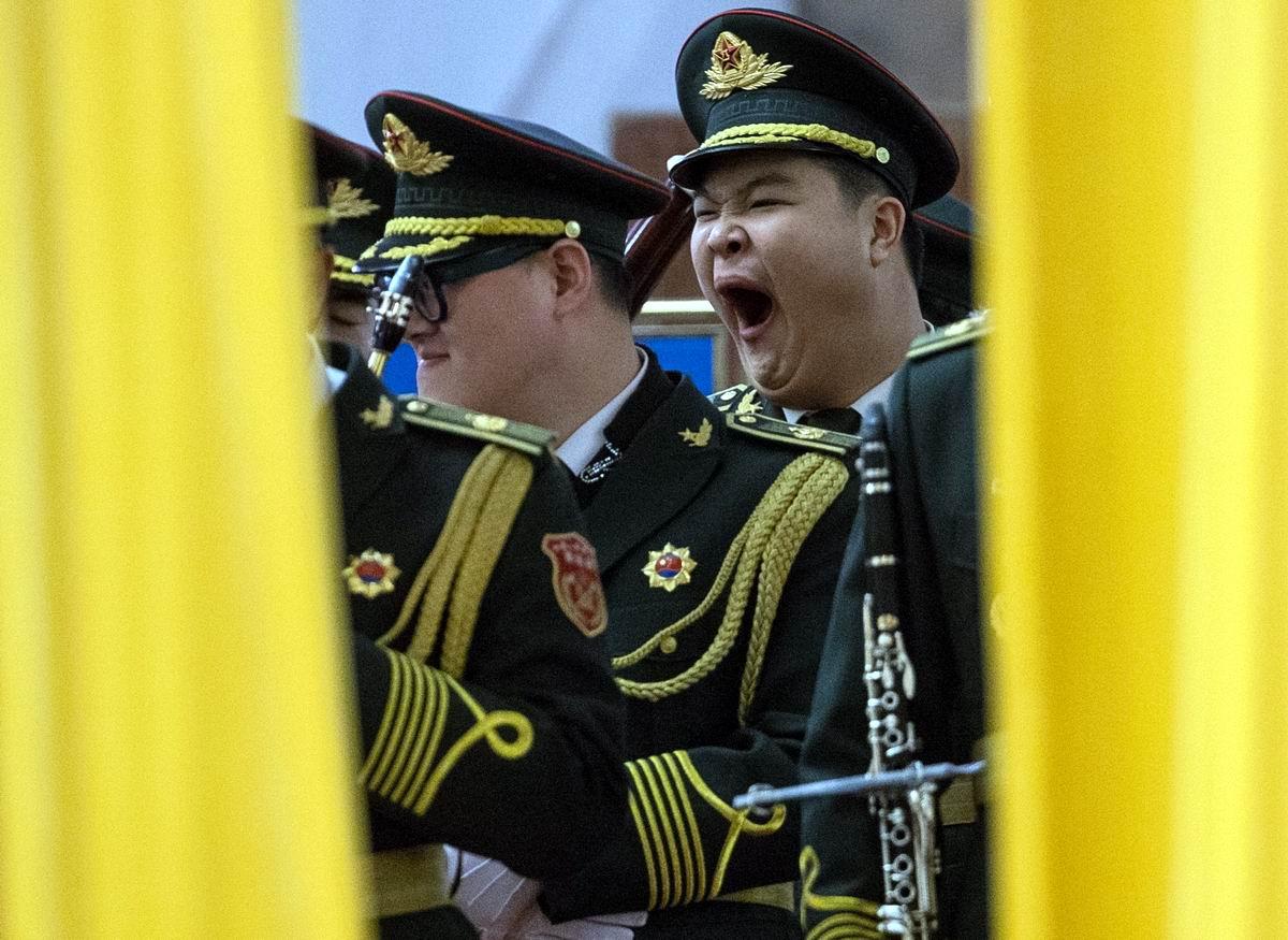 Хорошо б сейчас вздремнуть: Музыкант военного оркестра