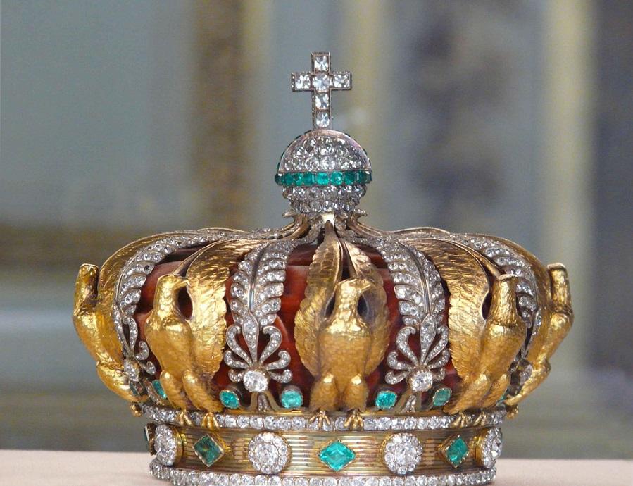 Корона императрицы Евгении с изумрудами..jpg