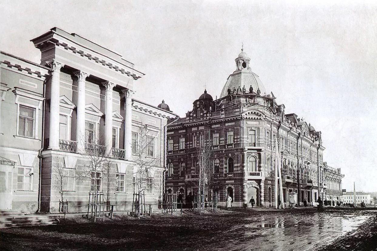 Архиерейский дом и доходный дом торгового дома  «Е. Кухтерин и сыновья»