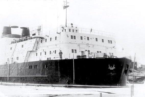 Великая страна СССР,плавучая электростанция «Северное сияние»