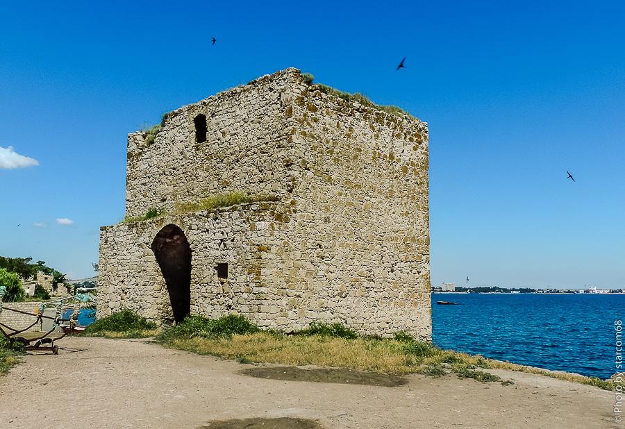 Феодосия. Крепость Кафа. Доковая башня