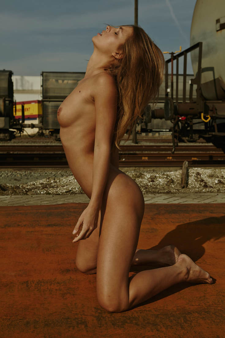 Мариса Папен в откровенной фотосессии