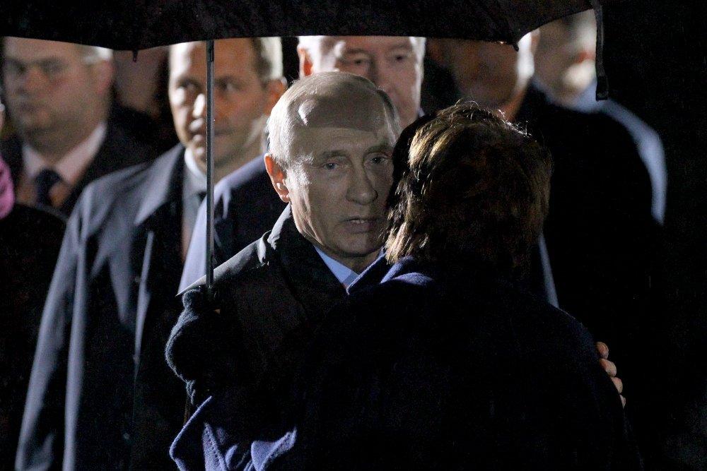 20171030_18-35-Президент назвал грандиозным монумент Стена скорби в Москве-pic11