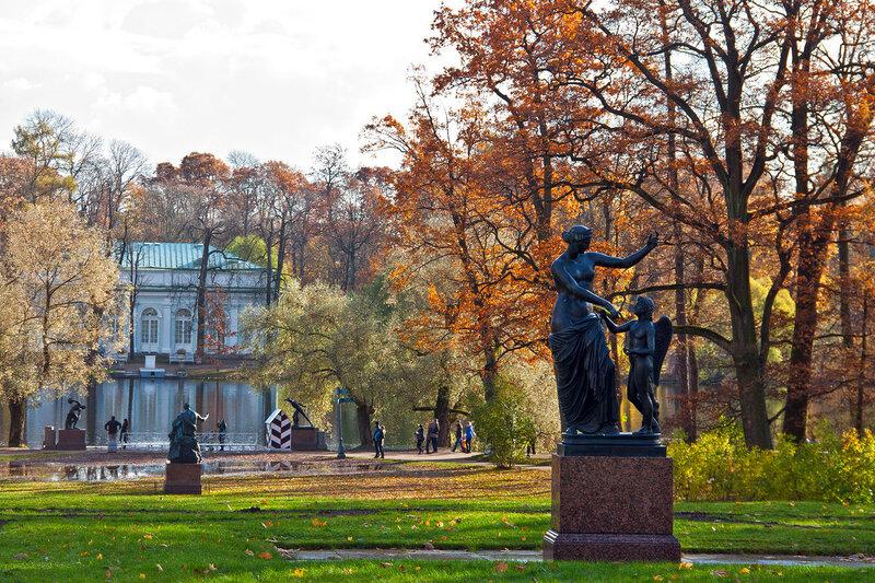 Статуя Венера и Амур. Царское Село