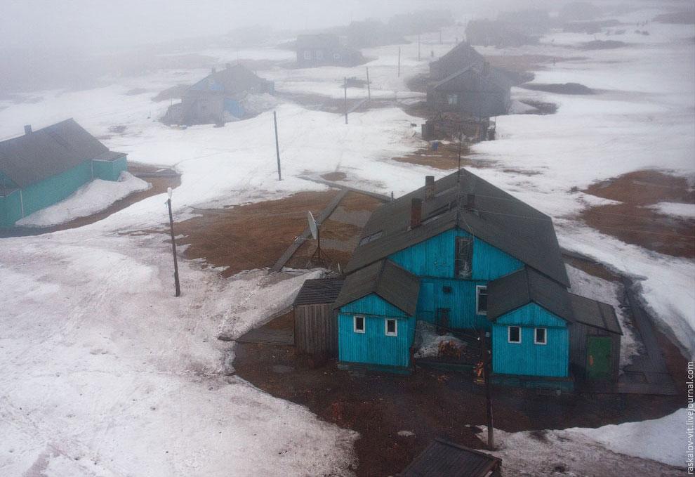 Каратайка — один из немногочисленных жилых поселков расположенных в Арктике, на побережье Баренцева