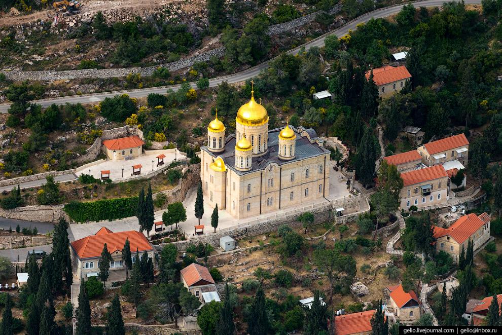 26. Иерусалим в своём развитии вышел за границы стен Старого города сравнительно недавно, в 1860 год