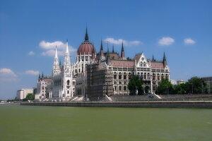 Будапешт. Парламент (вид справа)