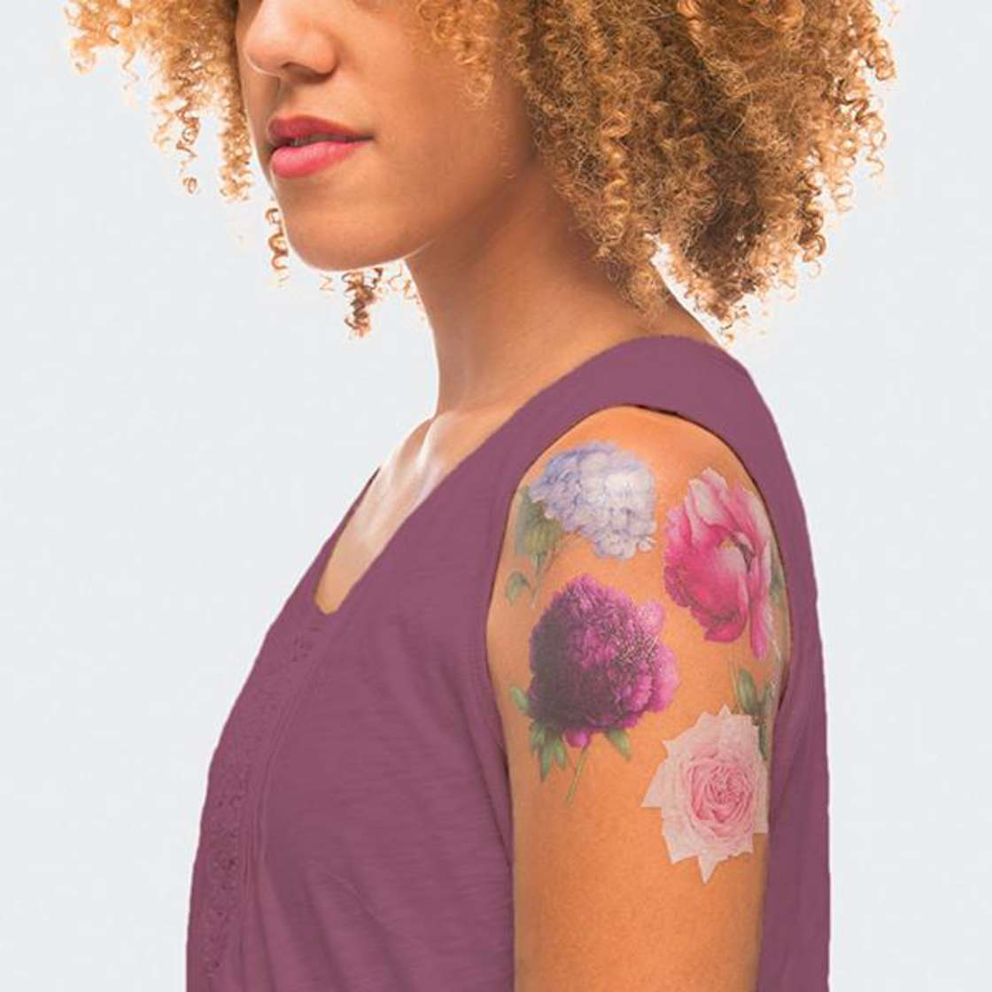 Scented ephemeral tattoos to smell good during the summer! (15 pics)
