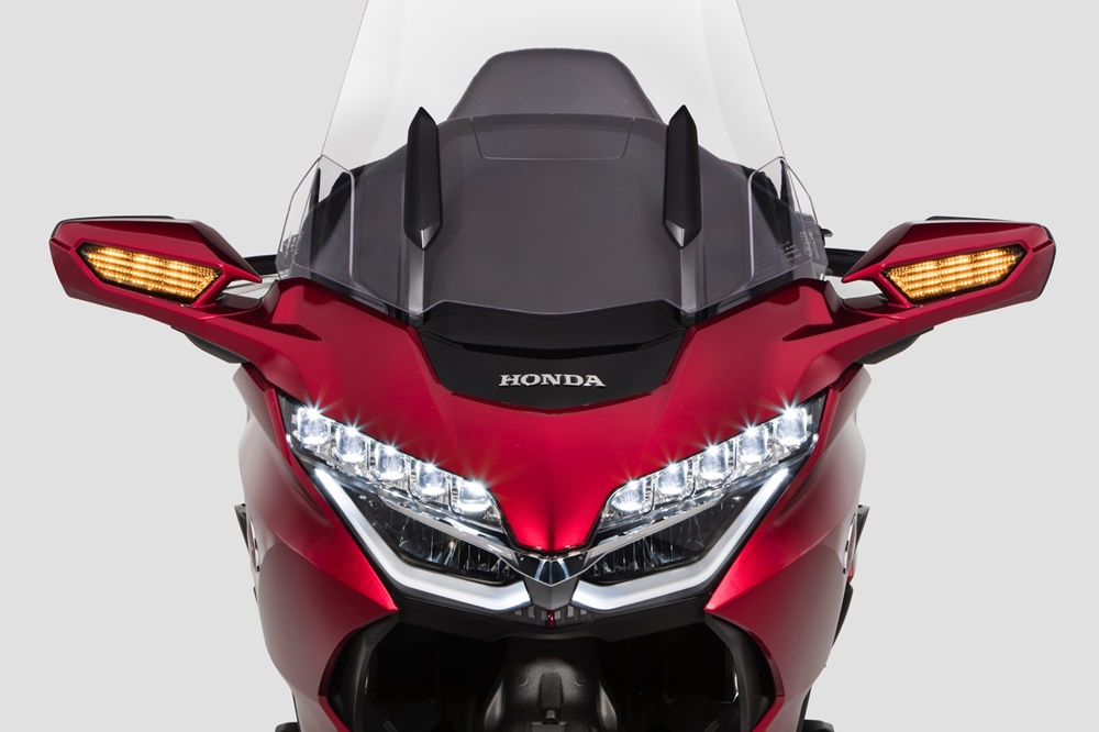 Туристические мотоциклы Honda Gold Wing / Honda Gold Wing Tour 2018