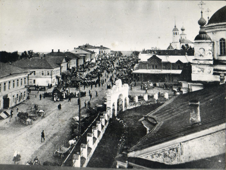 Вид с колокольни Троицкого собора