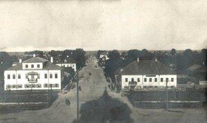 Вид с колокольни на Петербургскую улицу