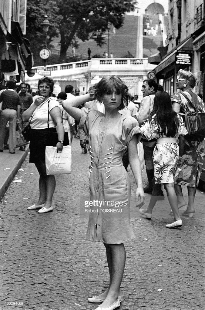 1985. Изабель Юппер на Монмартре