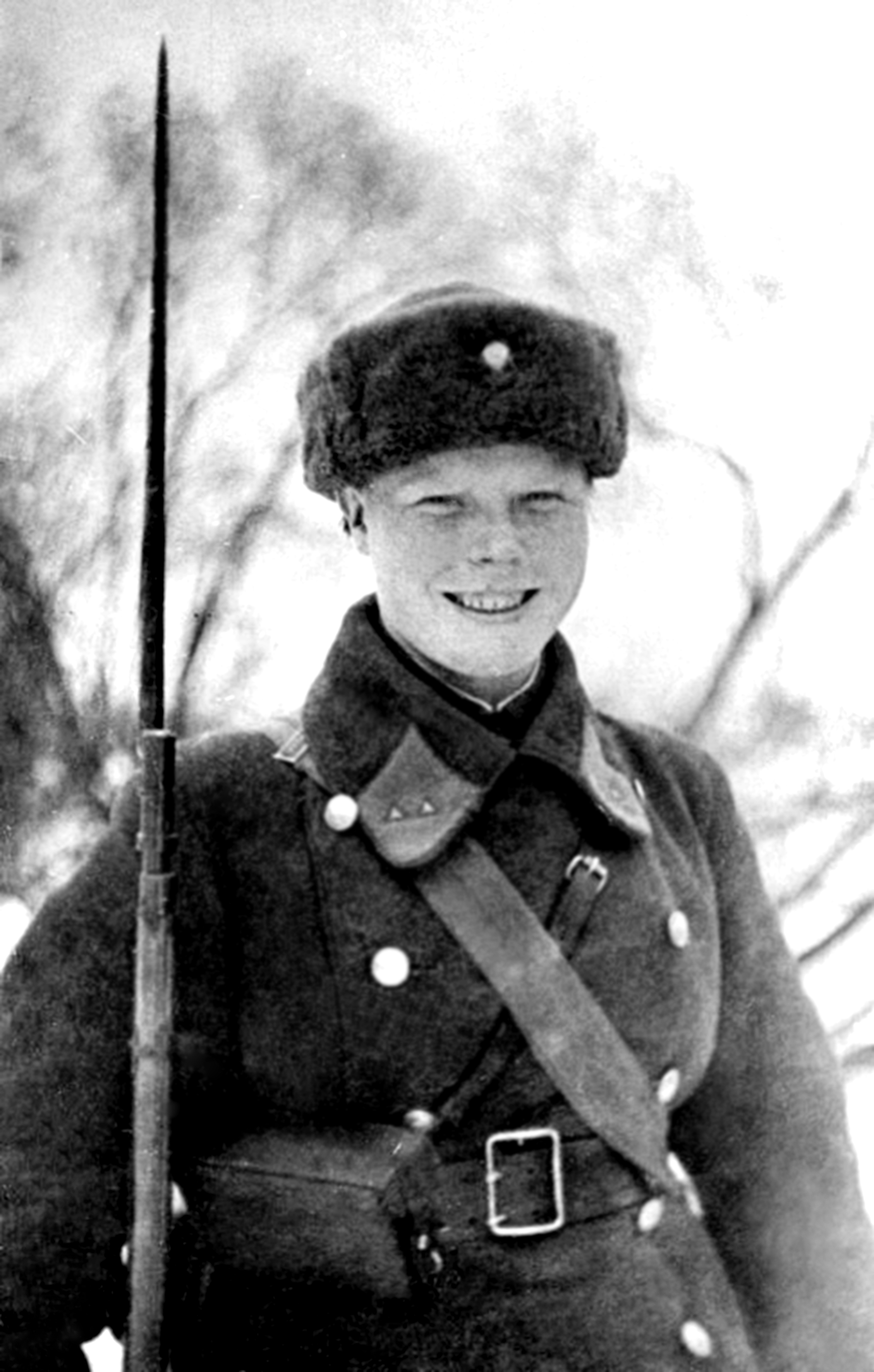 301041-l-d-ipatova-ia-starshijj-milicioner-komsomolka-zaderjhala-nemeckogo-shpiona-v-mome.jpg