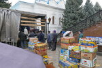 Разгрузка гум. помощи из Черновицкой епархии