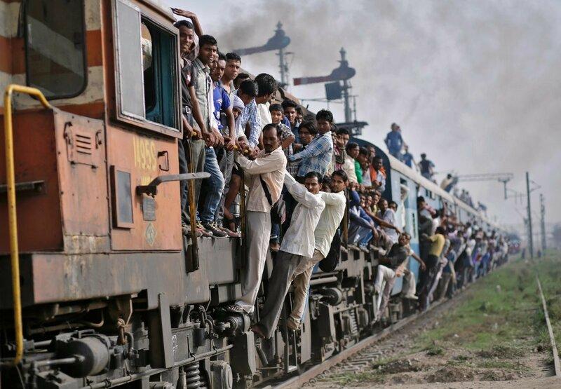 0 17c9c5 5063e457 XL - Почему в Индии пассажиры поезда ездят снаружи