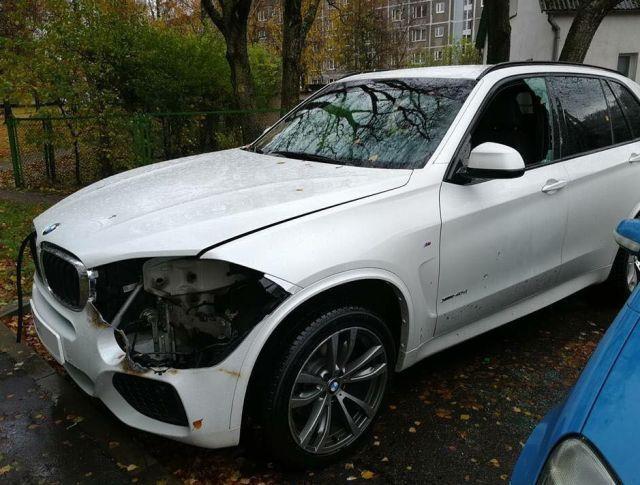 Варвары с газовой горелкой ослепили BMW X5