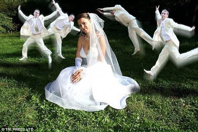 Когда одного жениха мало.