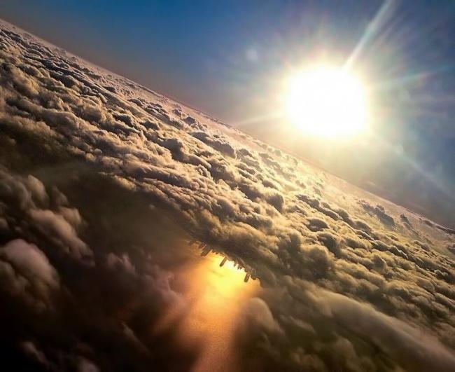 © MHersch1 / twitter      «Мне повезло сфотографировать одновременно Млечный Путь
