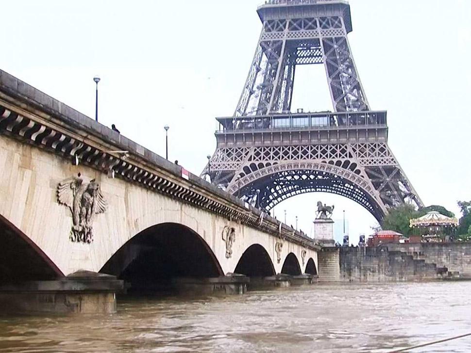 Из-за слабого доверия к евро Париж остался единственным городом еврозоны в первой десятке самых доро