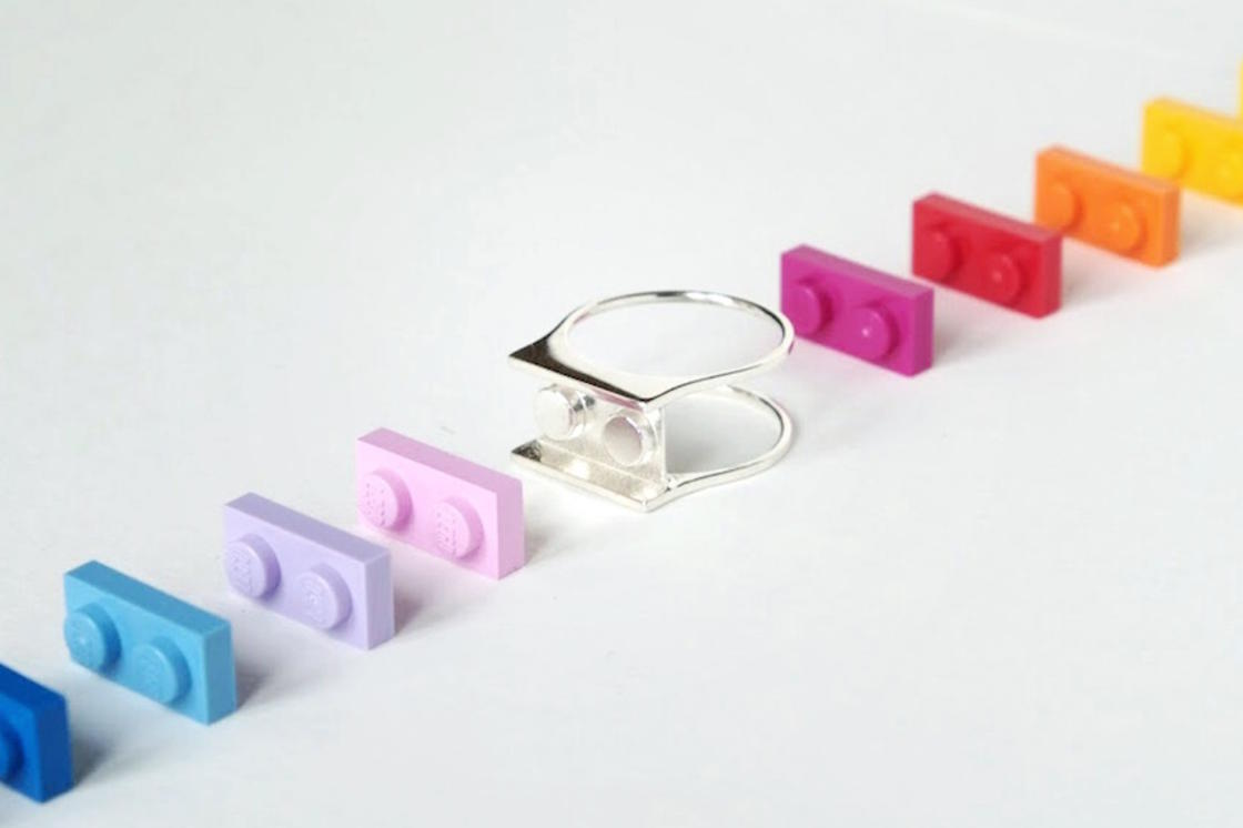 Customize these clever LEGO rings! (15 pics)