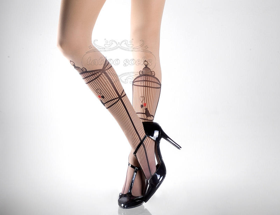 TattooSocks – Having pretty decorated legs without getting tattoos