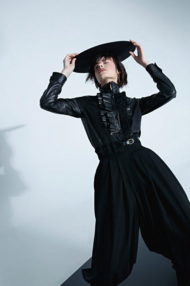 Shirt: CAPUCCI Pants: CAPUCCI Boots: CASADEI Hat: designer Kucherenko