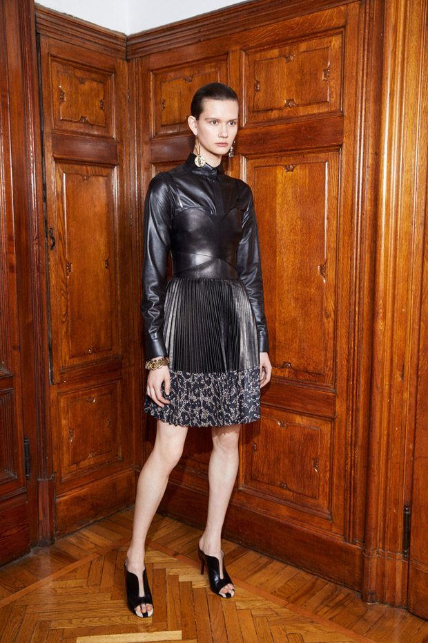 Roberto Cavalli Pre-Fall 2018 Womenswear Collection