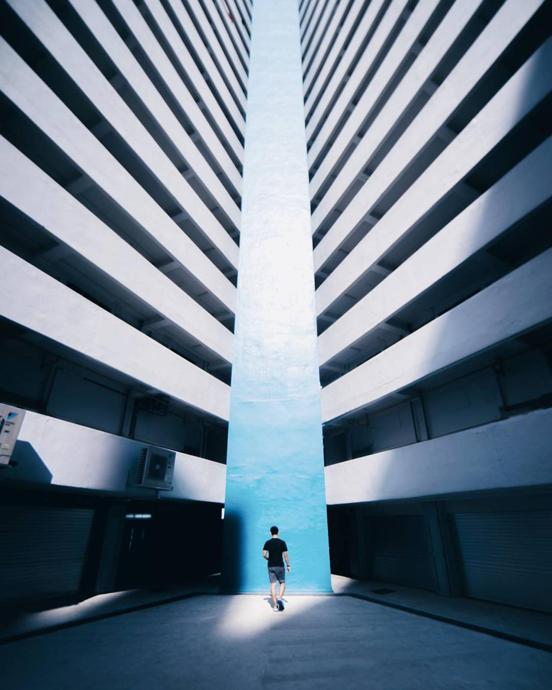 Vertigo – The beautiful photographs of Demas Rusli