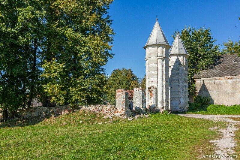Ворота в парк, усадьба Гончаровых, Полотняный завод