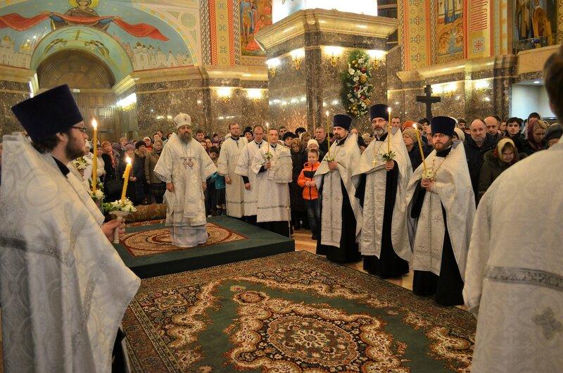 Архиепископ Серафим возглавил Всенощное бдение на Рождество Христово