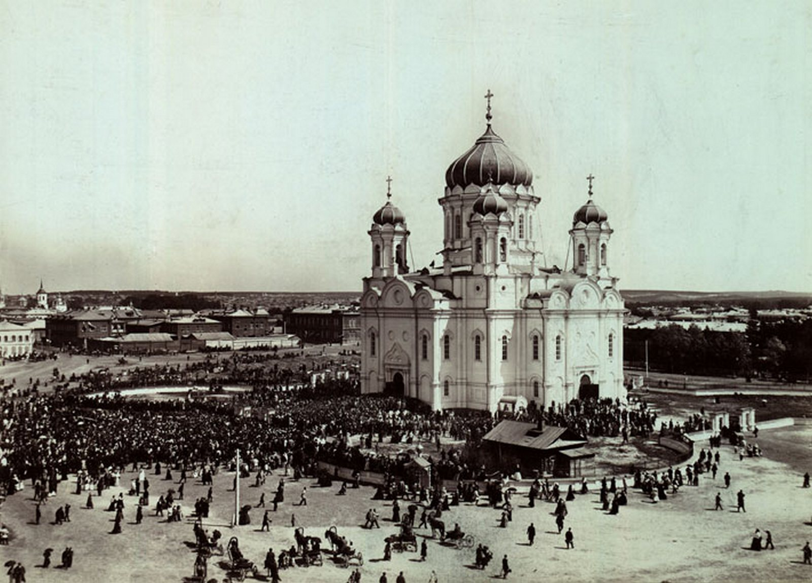 Собор Троицы Живоначальной  в день освящения собора 10 мая 1900
