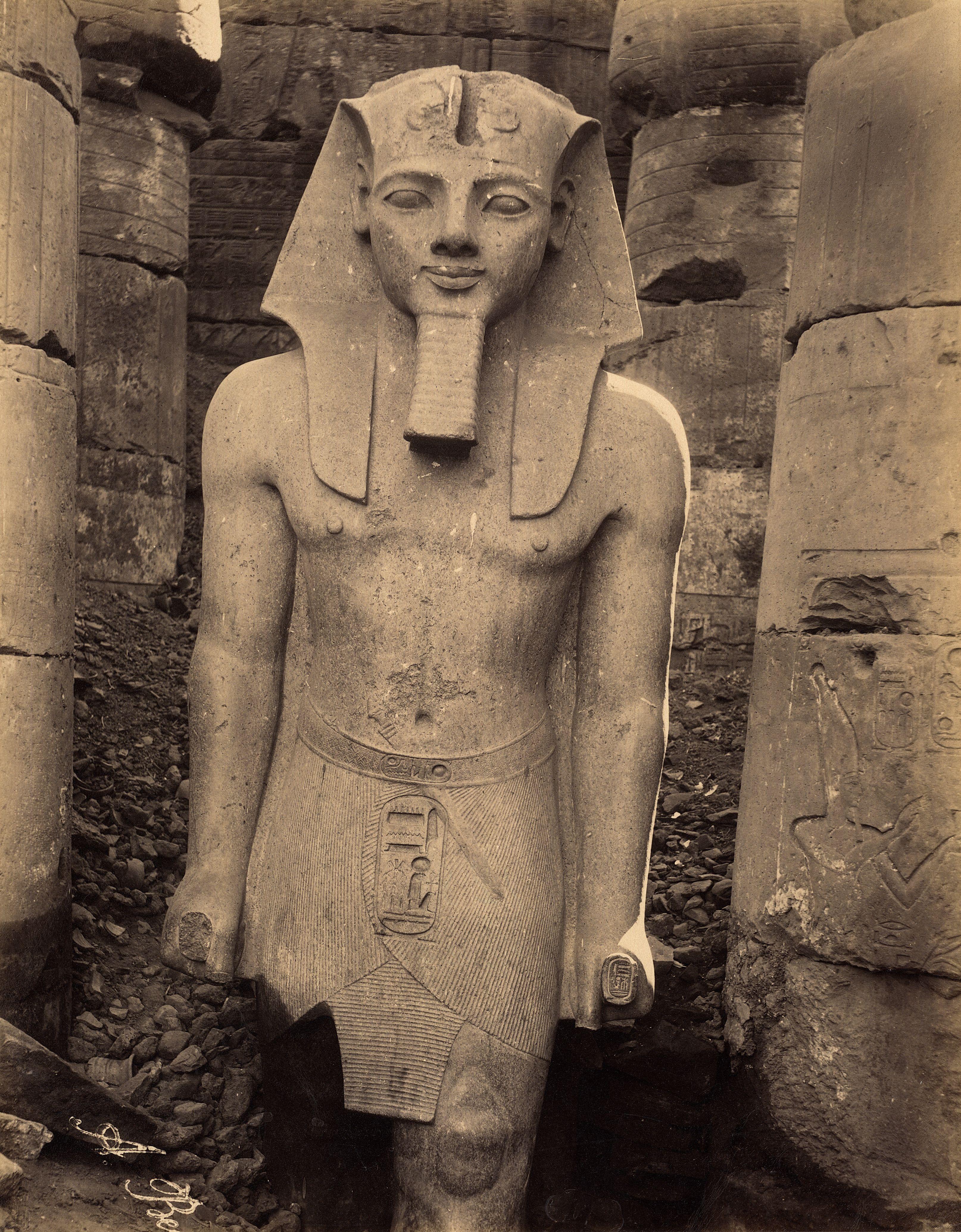 Луксор. Статуя Рамсеса II