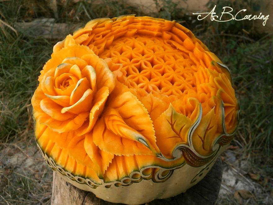 16-Alternative-Halloween-Pumpkins-carved-by-master-Angel-Boraliev-59ec66c7b372c__880.jpg