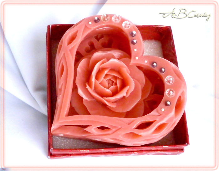 14-Valentines-soap-flower-sculptures-by-ABCarving-58a2c00429ad0__700.jpg