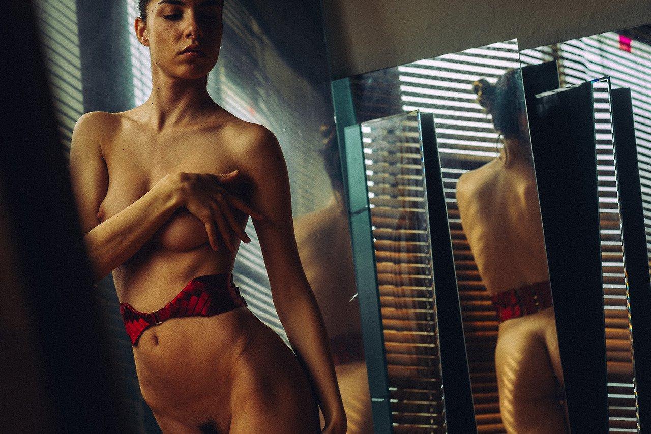 Rebecca Bagnol by Yan Senez