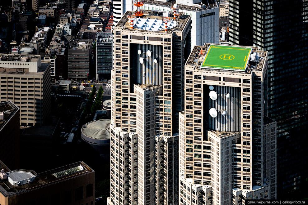 22. Здание муниципалитета было построено в 1991 году. В нём 45 этажей, сегодня это третий по высоте