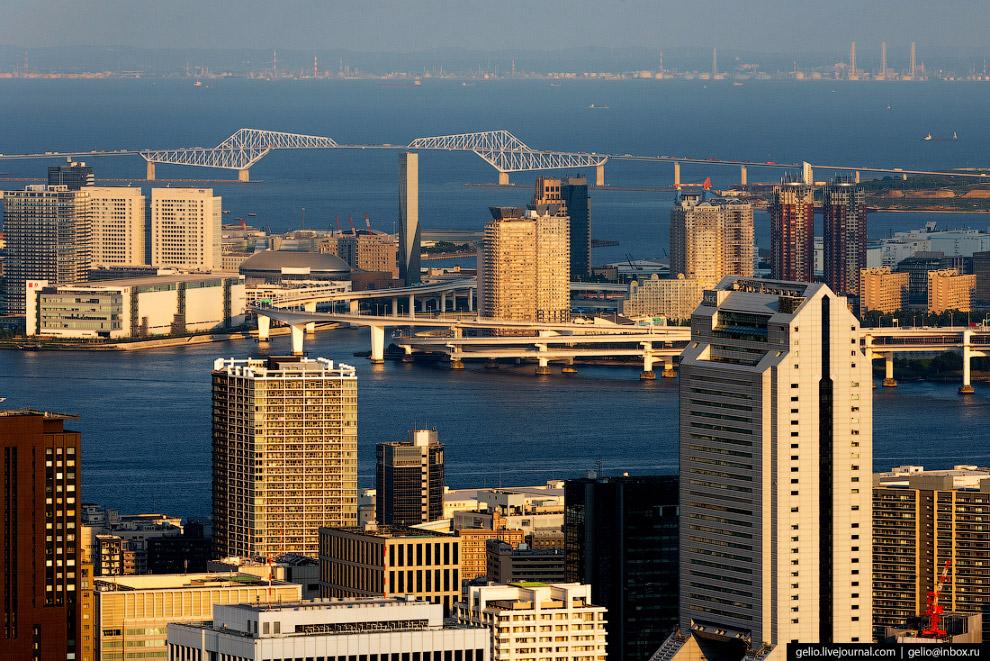 30.  Радужный мост (Rainbow Bridge) . Открытый в 1993 году подвесной Радужный мост со