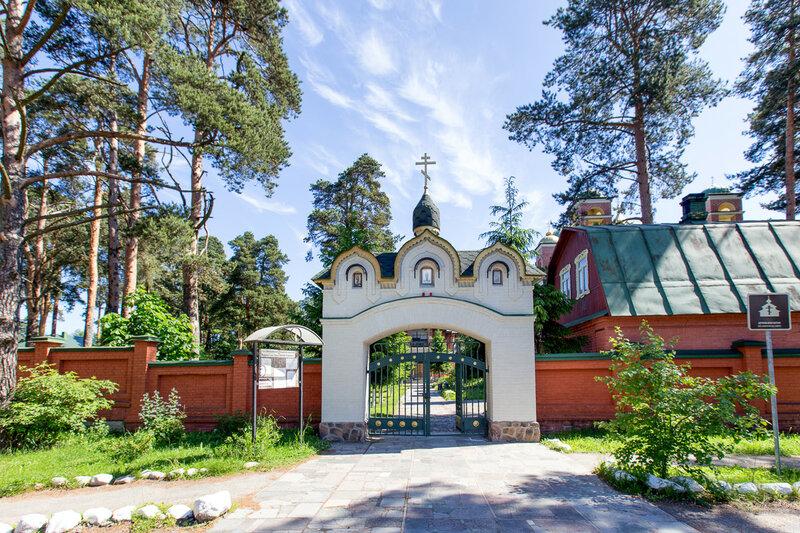 город Приозерск, Всехсвятская церковь